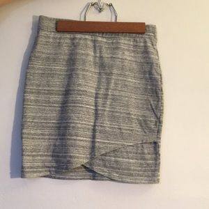 Aritzia (Talula) grey pencil skirt.